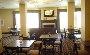 Image 3 | Holiday Inn Express Hotel & Suites Willcox