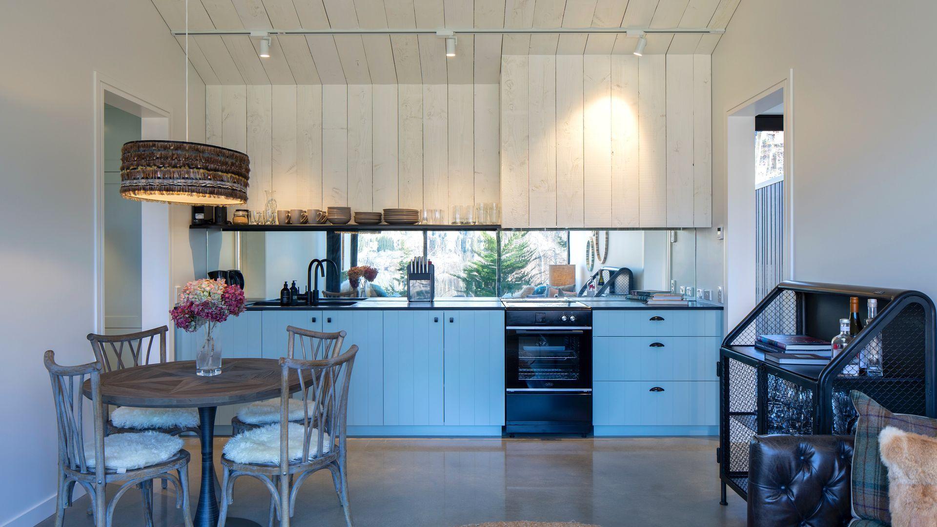Hayes Cottage | Delta