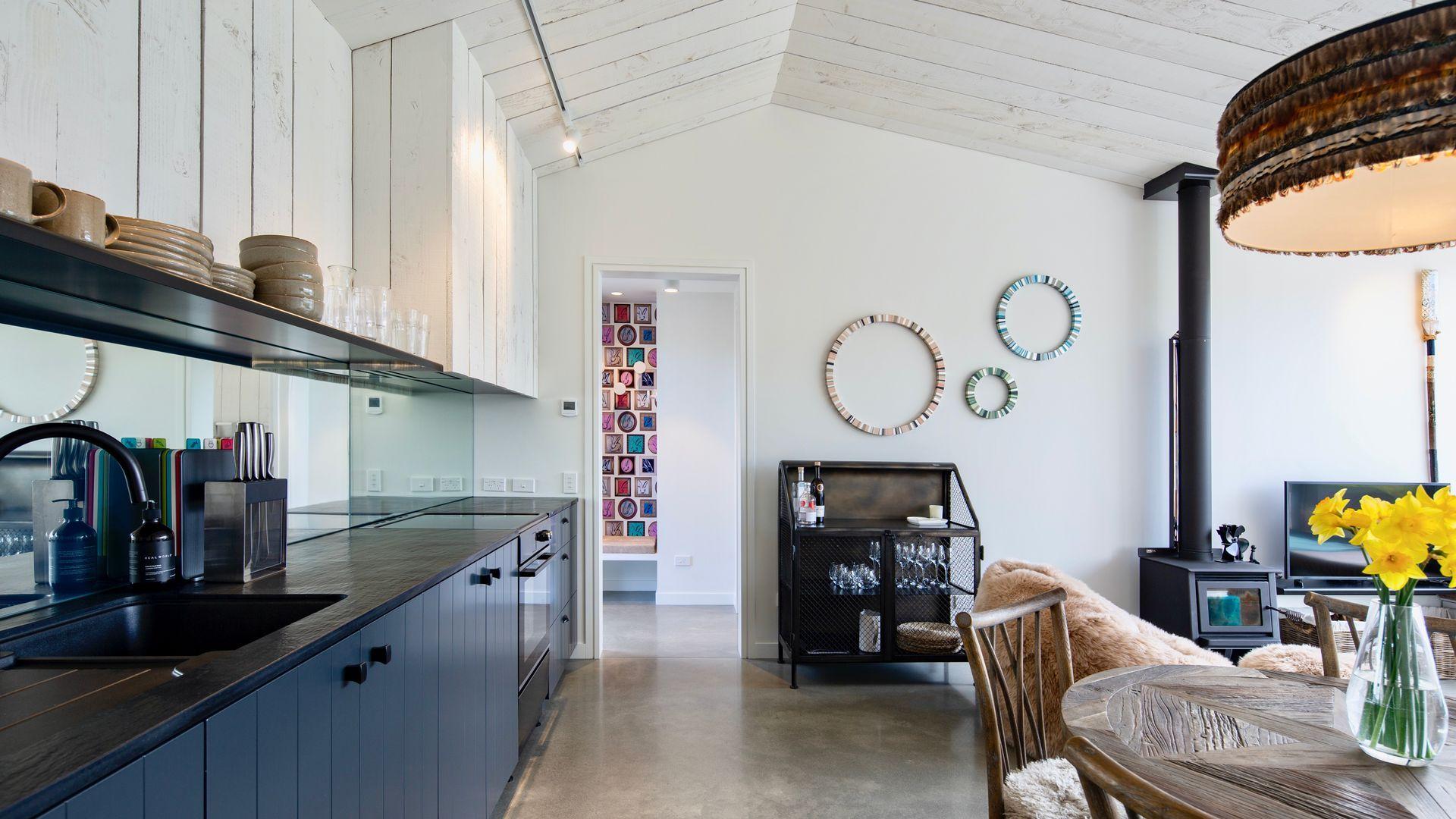 Hayes Cottage | Foxtrot