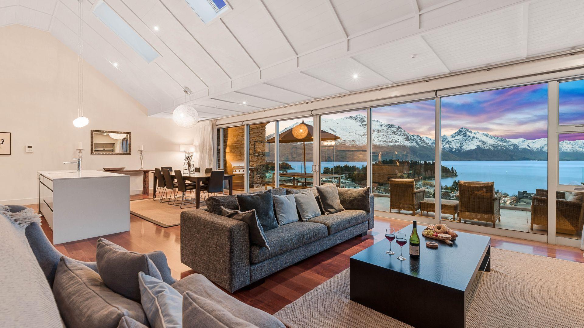 Catalina's Penthouse 6
