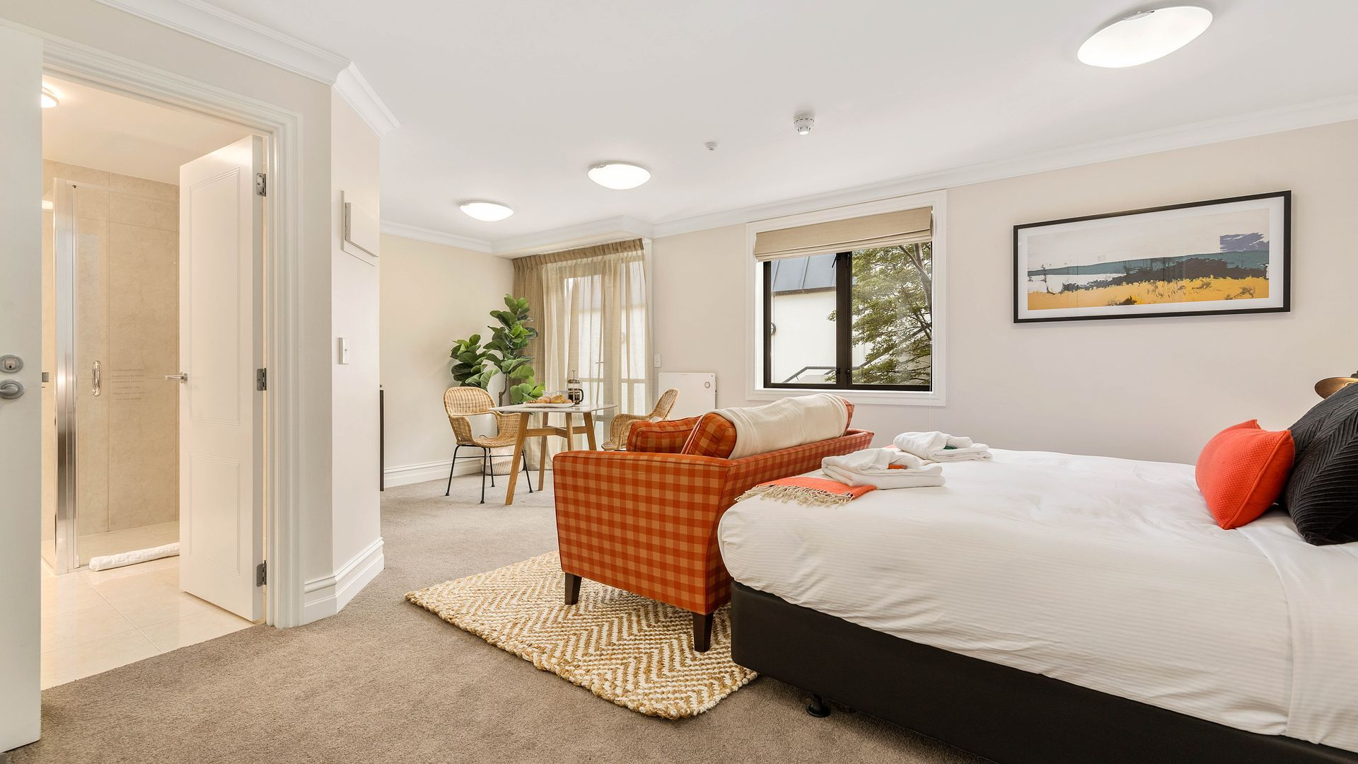 Central Luxury at 407 The Beacon | Studio