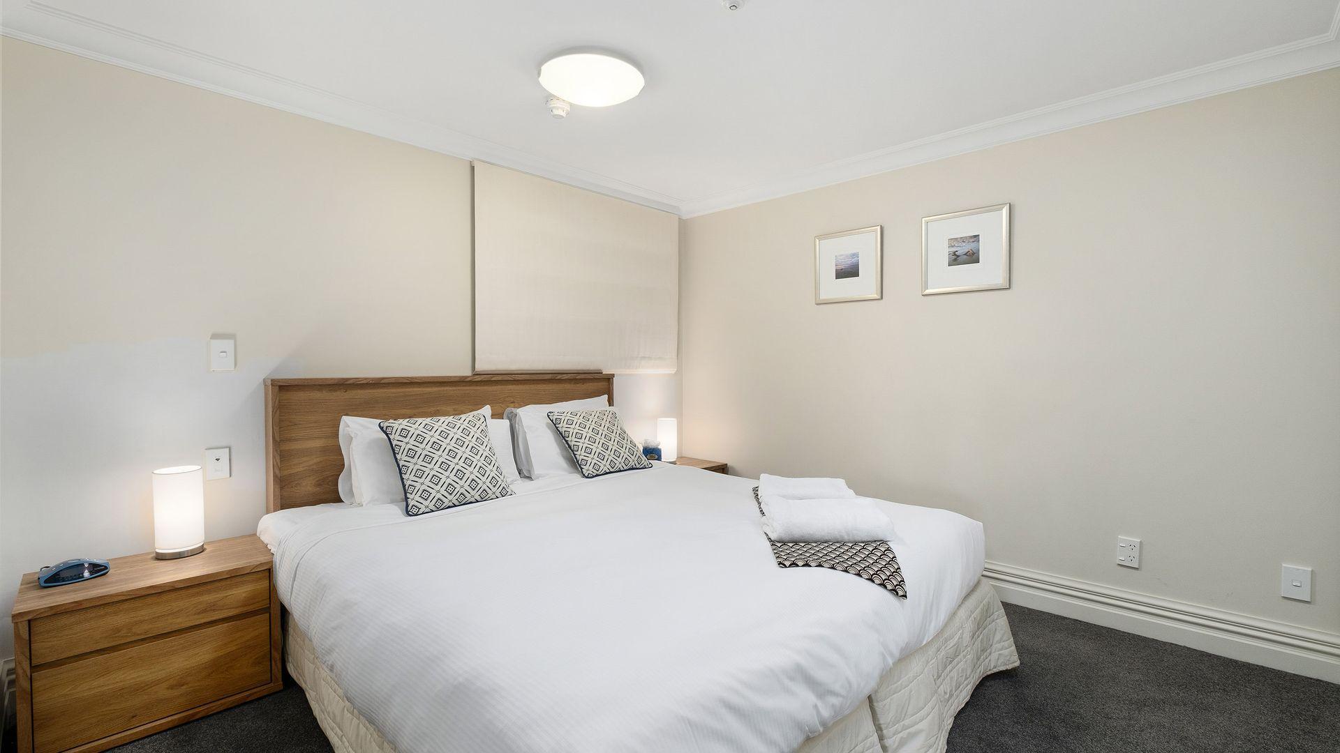 Lakefront Luxury 912 The Beacon   3 Bedroom