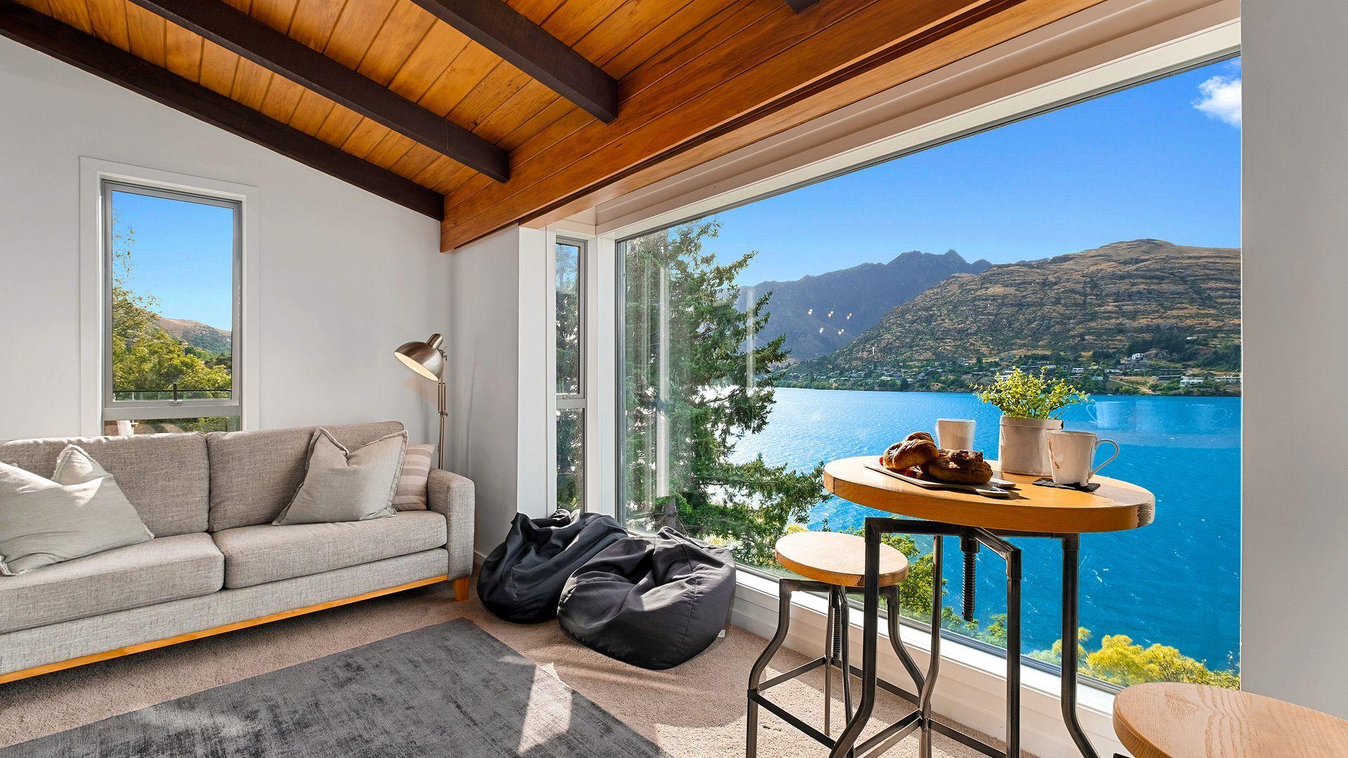 Queenstown Lakefront Dream | 3 Bed