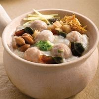 102 Dried Scallop Porridge with Century Eggs and Meatballs 干贝皮蛋肉丸粥