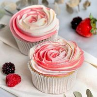 Earl Grey Summer Berries Cupcake - Box of 6 (3 days advance order is required)
