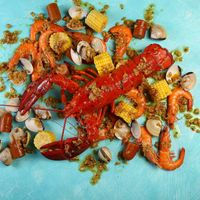 Live Boston Lobster Combo (for 2 to 4 persons)