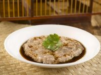 Steamed Hand-chopped Minced Pork with Water Chestnut 马蹄蒸手剁肉饼