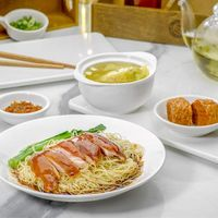 Signature Rose Wine Soy Chicken Noodles Deluxe Set 豉油鸡单人套餐