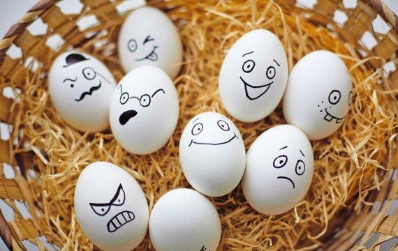 Яйця...