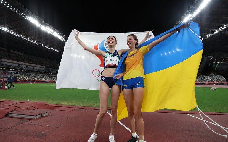 Міноборони «проведе розмову» з Магучіх після спільного фото з російською чемпіонкою на Олімпіаді