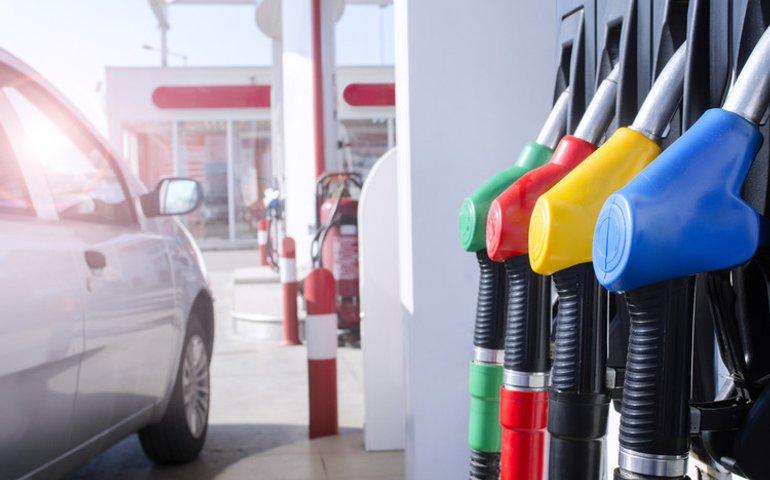 Ціни на бензин та дизельне паливо знизилися