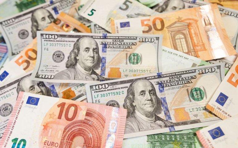 Національний банк України: Курс долара знову впав