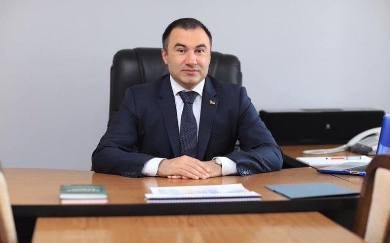 Депутати Харківської облради проголосували за звільнення Артура Товмасяна з посади голови