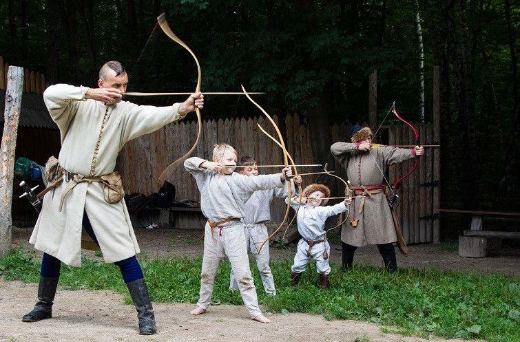 Предки вчили повсякчас передавати український дух та відвагу молодому поколінню українців!
