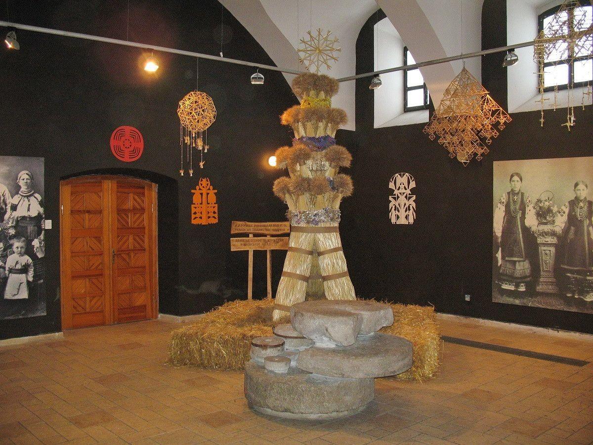 Рівненський Дідух в музеї Івана Гончара в м. Києві