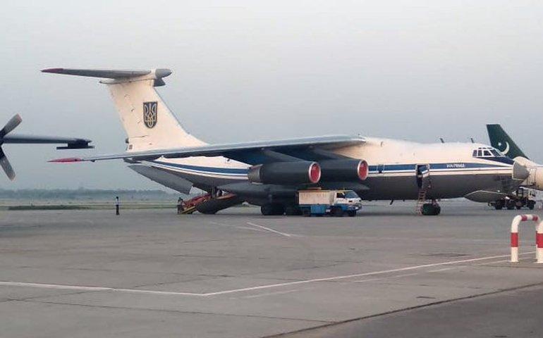 Український літак евакуював людей з Афганістану
