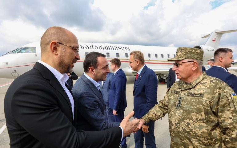 Прем'єр-міністр Грузії прибув в Україну для участі в саміті Кримської платформи