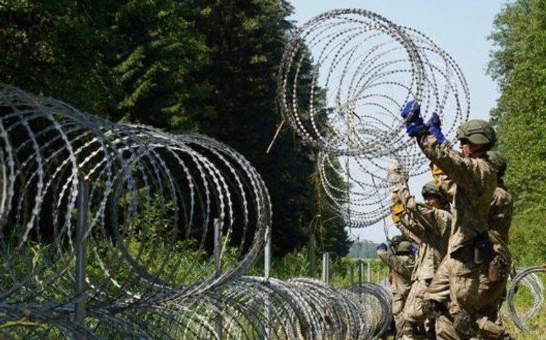 Польща збудує стіну на кордоні з Білоруссю