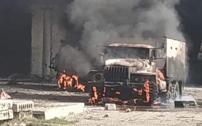 Росіяни вели вогонь по промбазі з українськими військовими поряд з п'ятиповерхівками — місцеве ЗМІ