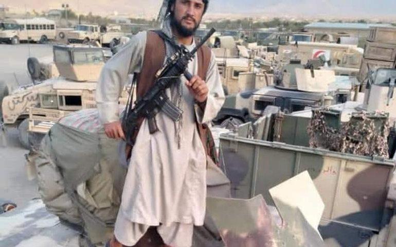 Таліби заявили про захоплення в повстанців тисяч «Хамві»: залишилось завоювати лише один район