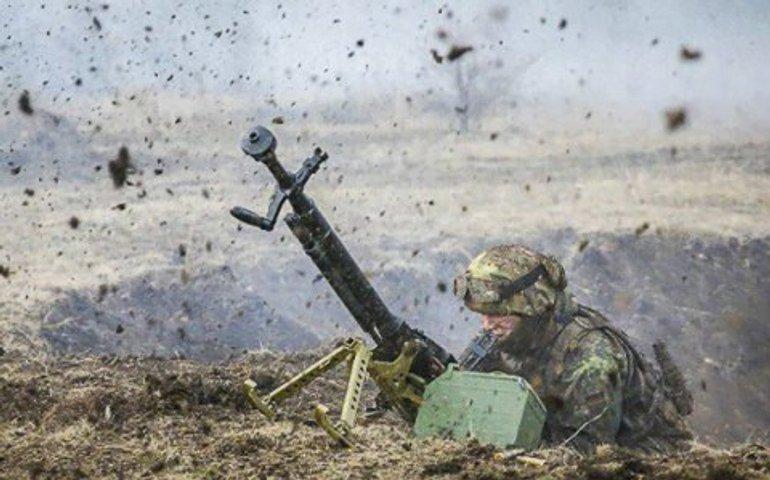 ООС: Росіяни обстрілюють населені пункти в зоні зіткнення, один поранений