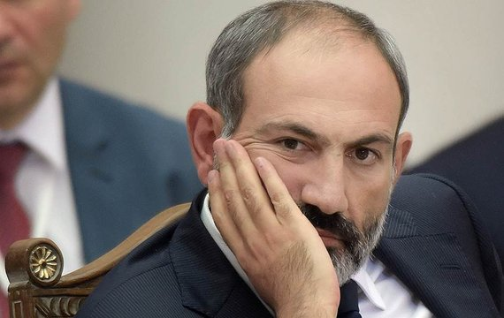 Армения, после поражения в Нагорном Карабахе, увеличила зависимость от России