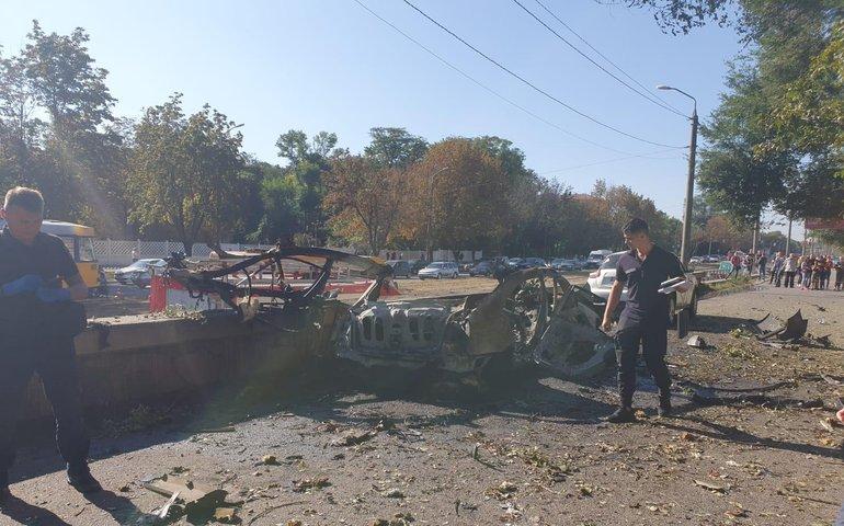 У Дніпрі вибухнув автомобіль, поліція кваліфікувала подію як теракт