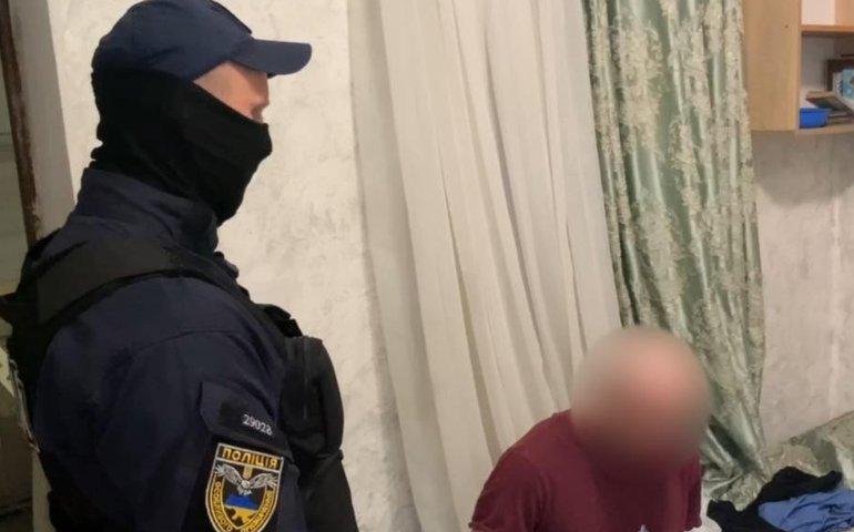 У Одесі сталася бійка: чоловік вдарив двох перехожих ножем