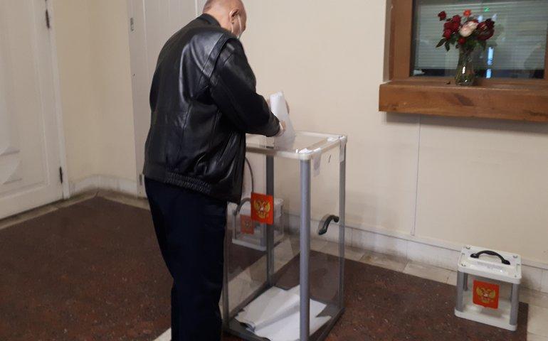 В Україні відкрились дільниці для голосування до Держдуми Росії