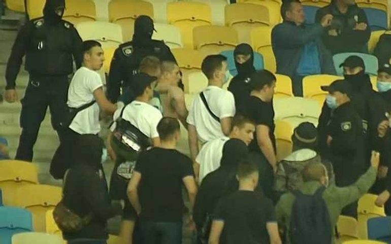 Ультрас Динамо побили глядачів із дітьми