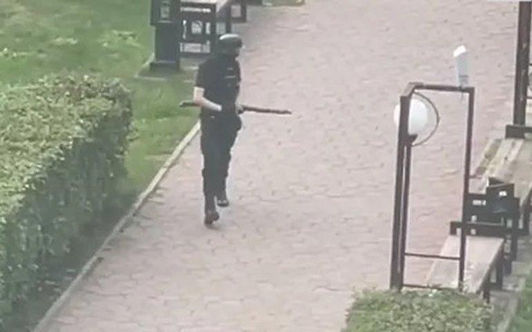 В Росії масшутинг: чоловік з дробовиком зайшов до університету та вбив 8 осіб, ще 19 поранено