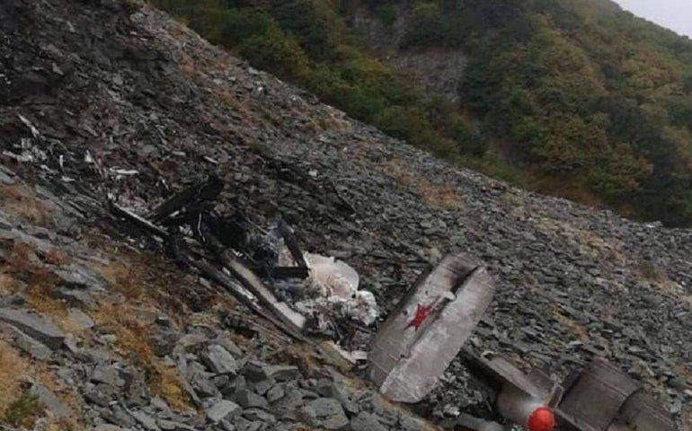 На Камчатці знайшли уламки вертольоту ФСБ. Дістатись на місце не можуть