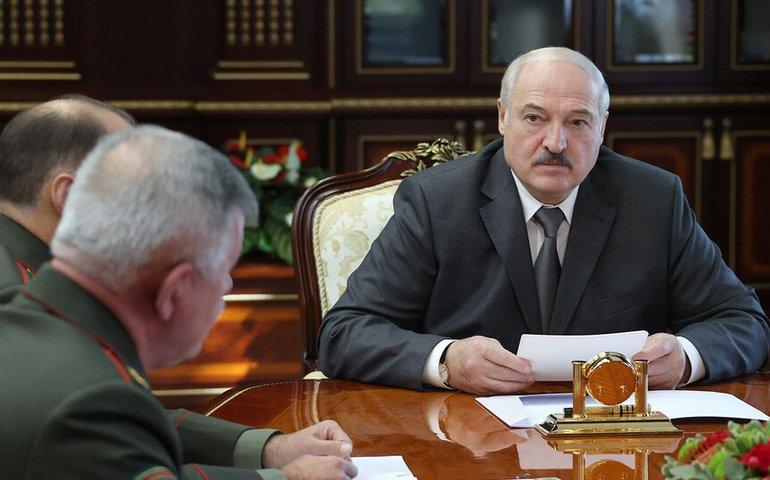 Лукашенко та Путін обговорили розміщення військ НАТО в Україні