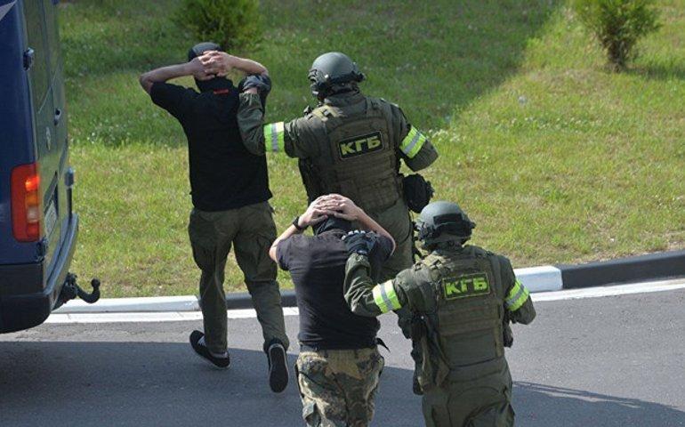В Білорусі затримали 116 людей за коментарі в соцмережах на вбивство айтішника