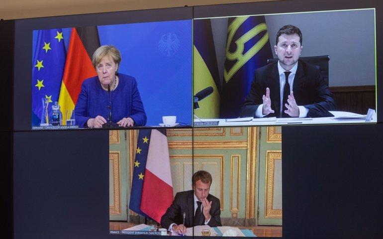 Володимир Зеленський провів відеоконференцію з Ангелою Меркель та Еммануелем Макроном