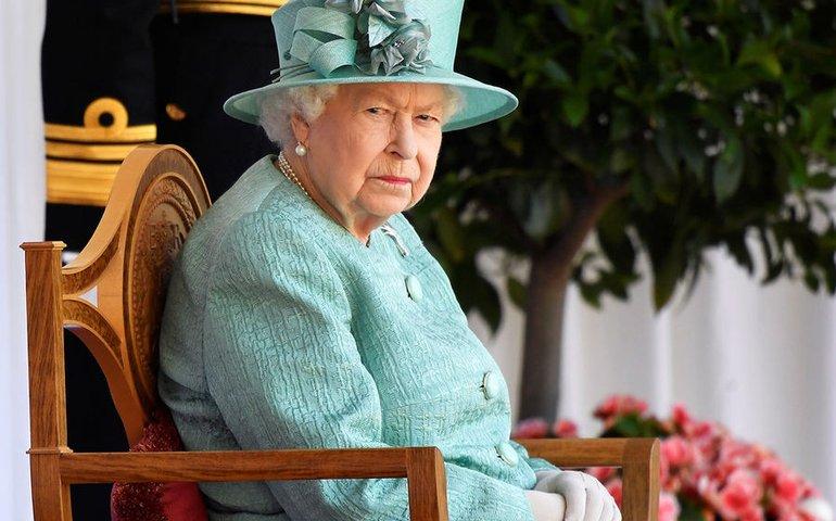 Королева Єлизавета II потрапила в скандал через Крим