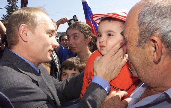 Вова Путин, он же «Окурок» и «Моль» — рэкетир, наркодилер и педофил