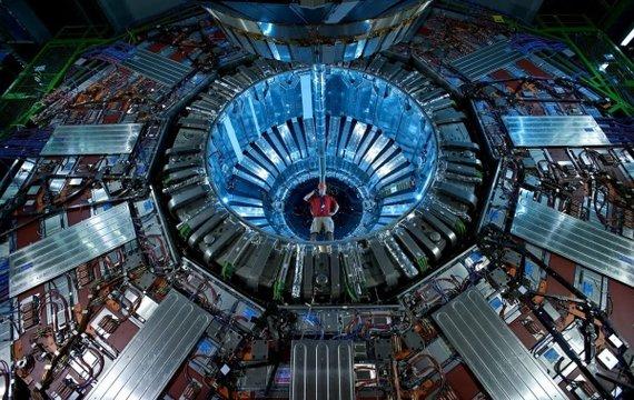 Анонс науково-популярних подій: Великий адронний колайдер, Майкл Щур і Наукові пікники в Миколаєві