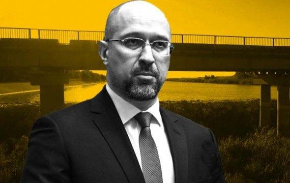 Отдав воду, Украина отдаст и Крым