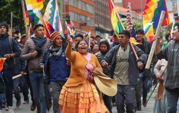 В Боливии восстание среднего класса против равенства с бедными