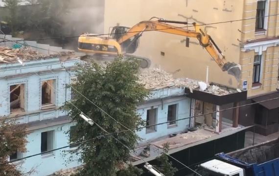 Как уничтожают исторический Киев