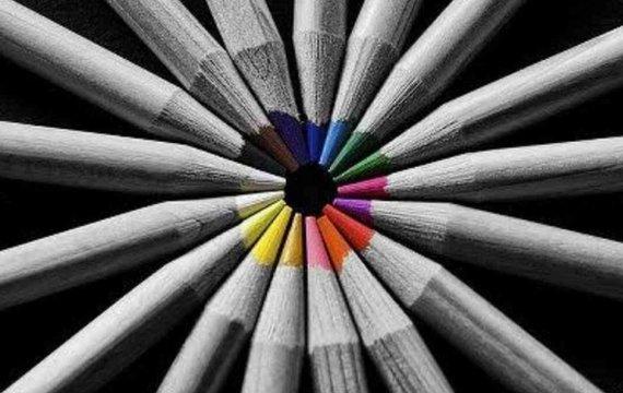 Між чорно-білим та кольоровим. Чому порохобот не завжди голосує за ЄС.