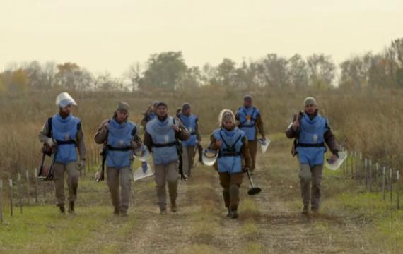 ZDF/ARTE: Профессия -- сапер. Украина, и следы войны.