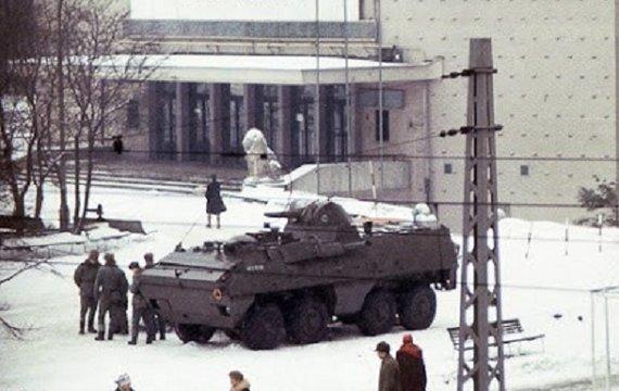 Втеча з кінотеатру «Москва» (до 39-ї річниці запровадження «Воєнного стану» в Польщі)