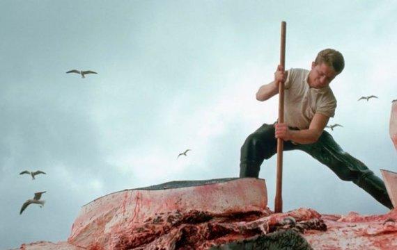 Пісня про кривавих радянських китобіїв є гімном Одеси: влада впирається міняти російську агитку
