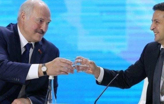 Страус заховав голову в пісок. Реакція української влади на тероризм Лукашенка