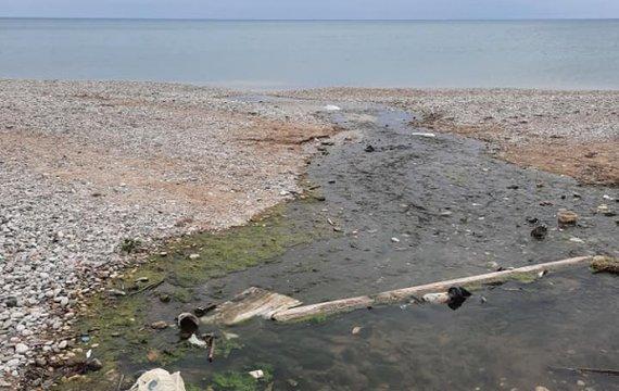 Курортный сезон Коктебеля: канализационные стоки и разруха (ФОТО)