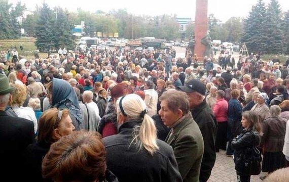 «Закручування гайок» в «ДНР». Ватажки бойовиків бояться бунтів