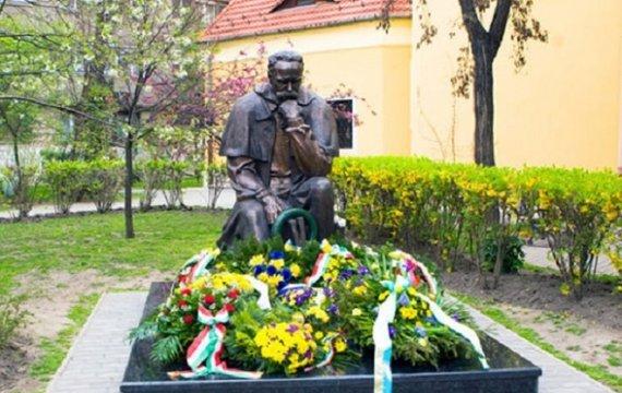 Пам'ятник Тарасові Шевченку в Будапешті та «багатомірність» історії Центрально-Східної Європи