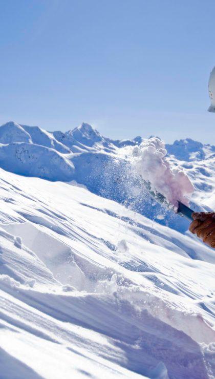 Man Rescuer avalanche